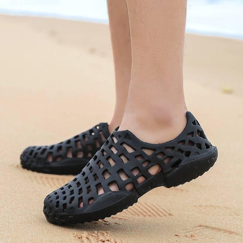 夏季洞洞鞋凉鞋情侣镂空透气沙滩半拖大码情侣款拖鞋套趾拖鞋